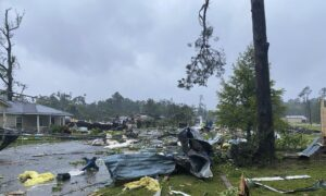 9 Children, Man Killed in Storm-Drenched Alabama Highway Pileup