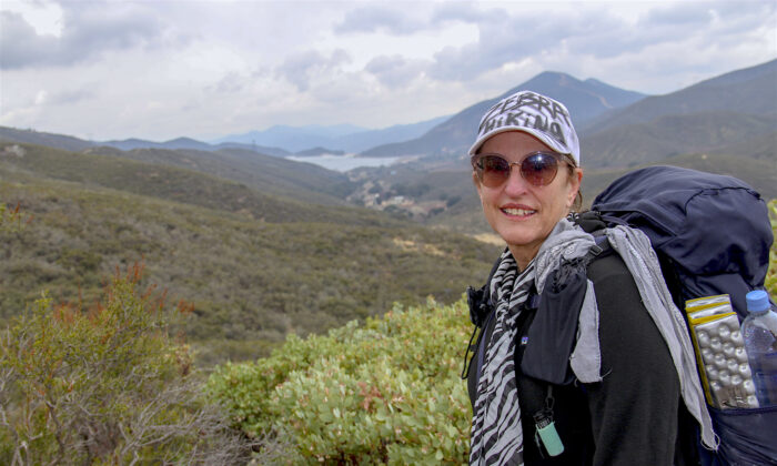 When Cindy Holder Poole, 55, faced a rare form of cancer, she found hiking and nature to be great comforts. (Linda KC Reynolds)