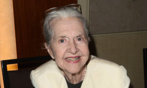 Joanne Linville, Actress Known for Her Appearances in 'Star Trek' and 'Twilight Zone,' Dies at 93