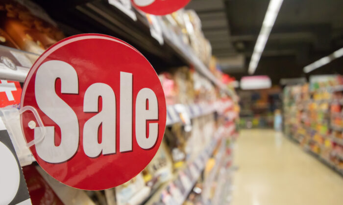 A grocery shopping secret: Most supermarkets offer a rain check if they run out of a product that is on sale. (I MAKE PHOTO 17/Shutterstock)