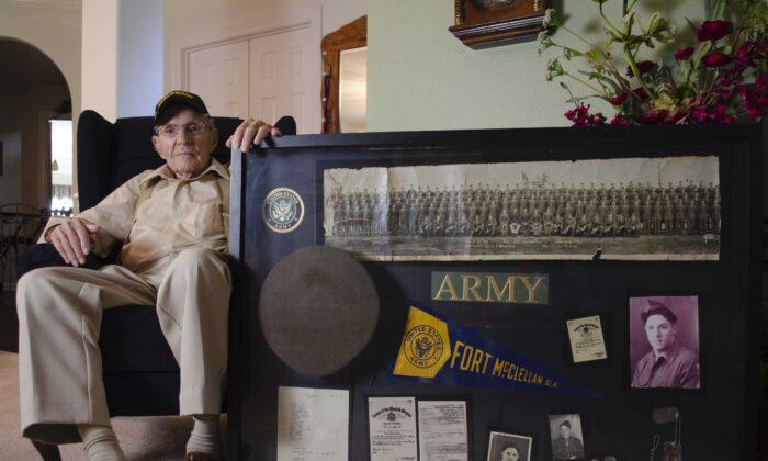 World War II veteran Wayne Perry in Willis, Texas. (Courtesy of Dustin Bass)