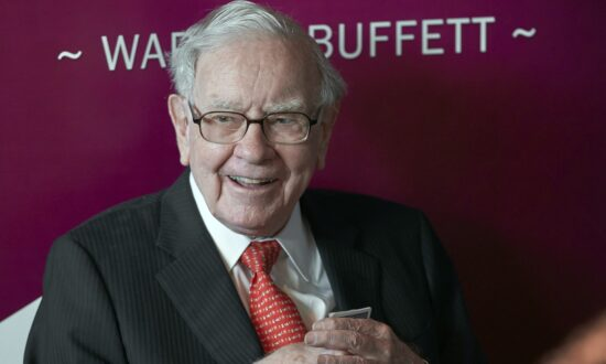 Warren Buffett Resigns From Gates Foundation