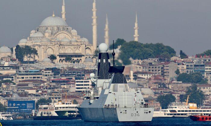 British Royal Navy's Type 45 destroyer HMS Defender arrives for a port visit in Istanbul, Turkey, on June 9, 2021. (Yoruk Isik/File Photo/Reuters)