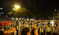 Thousand of Residents in China's Foshan Protest Against Lockdown