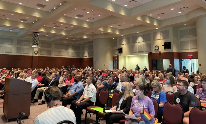 The June 22 school board meeting in Loudoun County, Va., was packed. Two hundred signed up to speak. (Terri Wu/The Epoch Times)