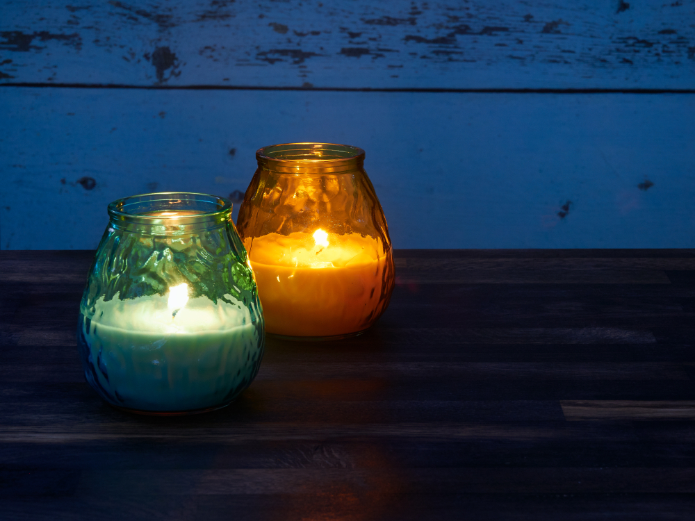Citronella,Candles,Used,As,Mosquito,Repellant