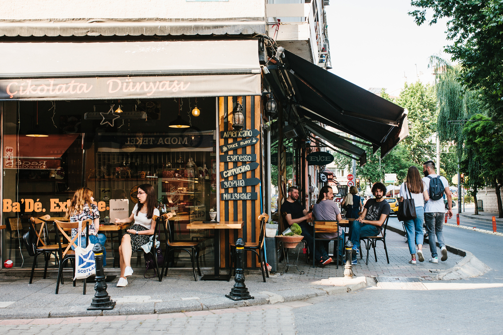 Istanbul,,June,14,,2017:,A,Popular,Street,Cafe,In,The