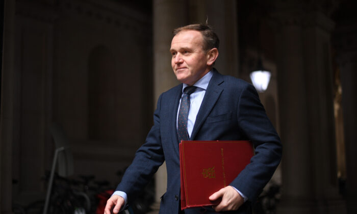 Environment Secretary George Eustice returns to Downing Street following a cabinet meeting in London on Dec. 8, 2020.(Leon Neal/Getty Images)