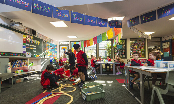 Prep students enjoy returning to the classroom at Lysterfield Primary School in Melbourne, Australia on Oct. 12, 2020. (Daniel Pockett/Getty Images)