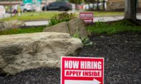 US Jobless Claims Tick Down to 411,000 as Economy Heals