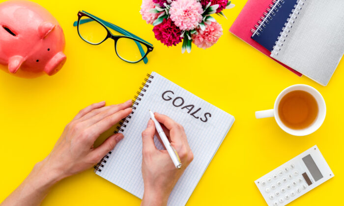 Saving with a goal puts all of your decisions into perspective. (9dream studio/Shutterstock)