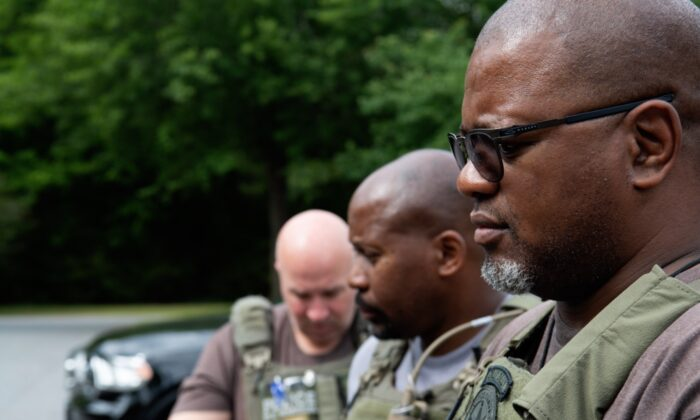 """Members of the U.S. Marshal's Missing Child Unit during """"Operation Never Forgotten 2021"""" in Atlanta, Ga. (Courtesy of Shane T. McCoy/U.S. Marshals)"""