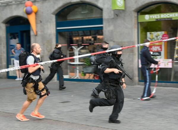 German Police running