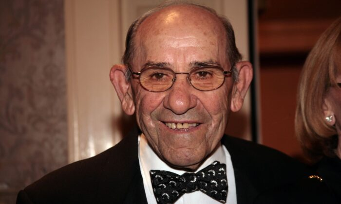 Yogi Berra arrives at NIAF's 32nd Anniversary Awards Gala in Washington on Oct. 13, 2007. (Nancy Ostertag/Getty Images)
