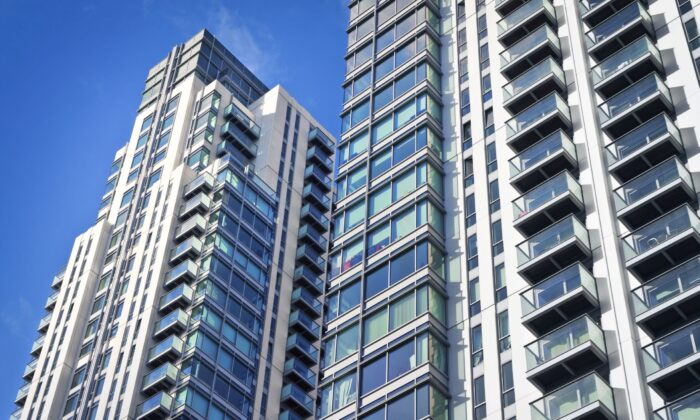 A BC doctor is urging caregivers to take steps to prevent children from falling from windows and balconies after recent tragedies. (QQ7/Shutterstock)