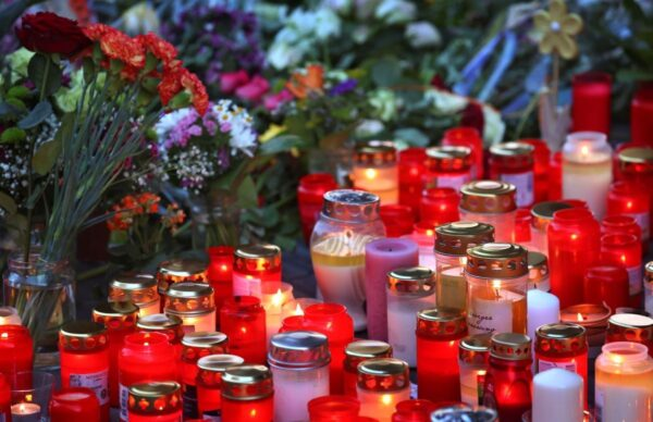 candles-at-site-of-german-knife-attack