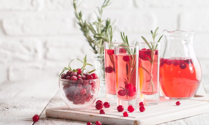While antibiotics are typically prescribed to treat urinary tract infections, there are effective home remedies that can treat and prevent UTIs—naturally. (Goskova Tatiana/Shutterstock)