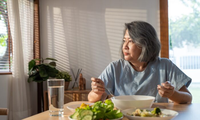 The foods you eat can fire up inflammation or cool it down. (Hananeko_Studio/Shutterstock)