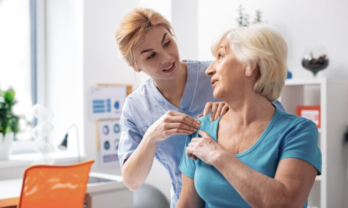 If you've been thinking about visiting a physical therapist to help you ease pain and improve functionality, communication is essential. (Dmytro Zinkevych/Shutterstock)