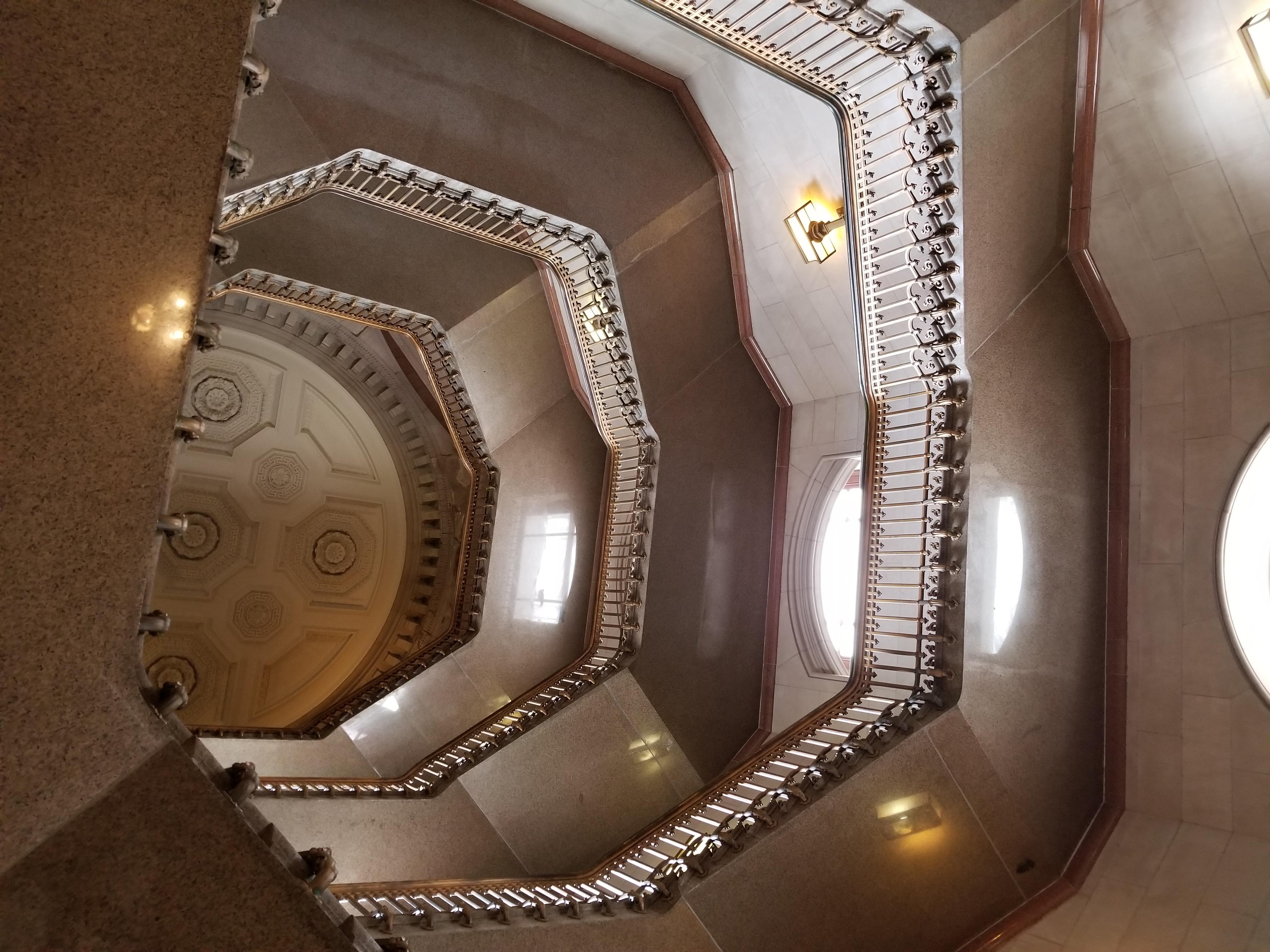 Interior_of_the_tower_of_Philadelphia_City_Hall