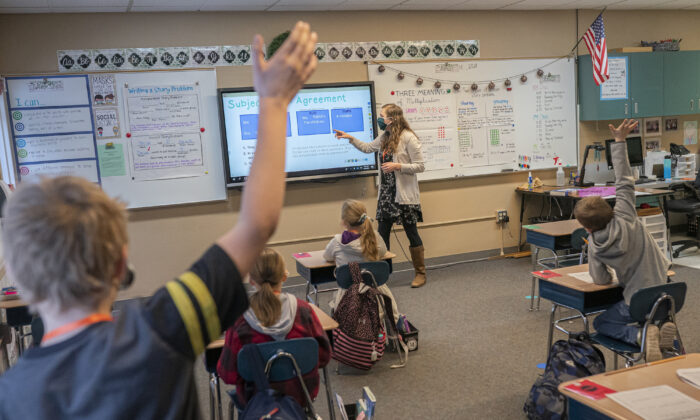 Third grade students practice grammar at an elementary school in Woodland, Washington. (Nathan Howard/Getty Images)