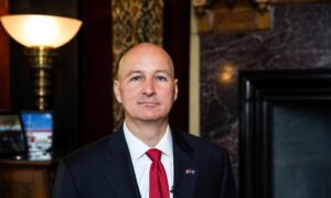 Nebraska Governor, 22 State Senators Back Anti-CRT Resolution in Public University System