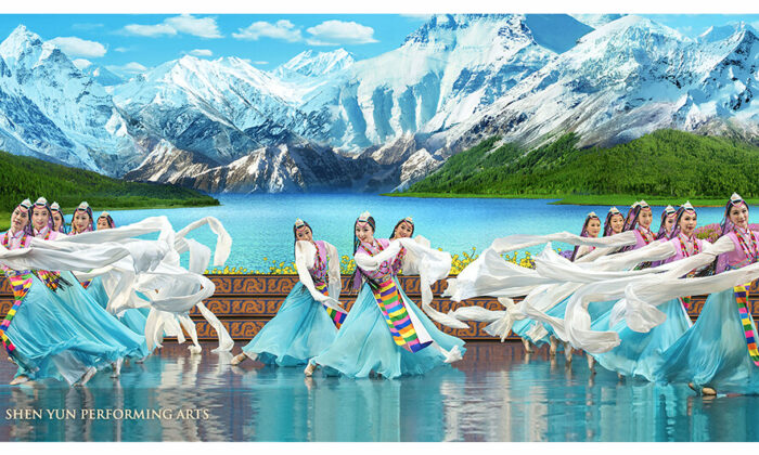 A performance by Shen Yun Performing Arts classical Chinese dancers. (Shen Yun Performing Arts)