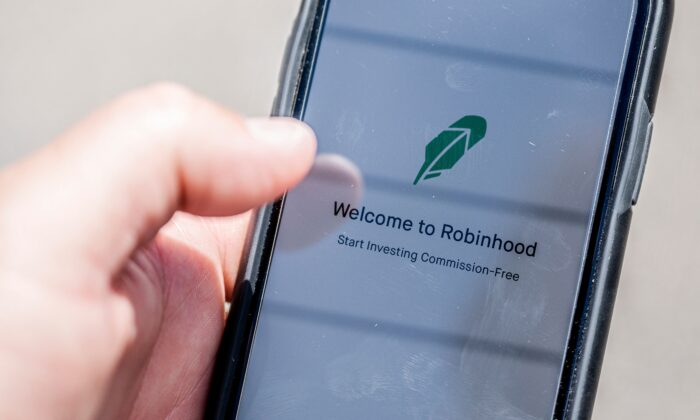 The Robinhood vestment app is see on a smartphone in this photo illustration in Washington on June 24, 2020. (Jim Watson/AFP via Getty Images)