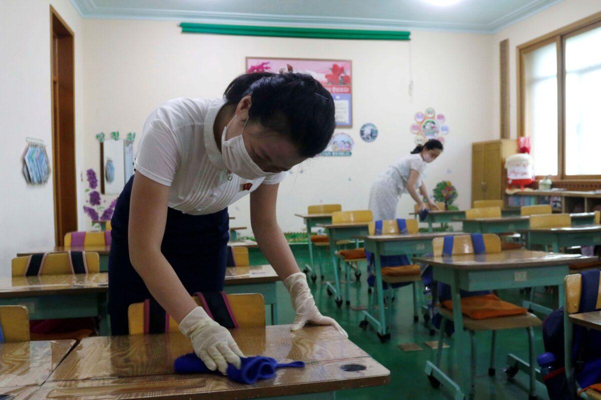 clean classroom desks
