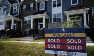 US Home Sales Stall as Buyer Stampede Leaves Scant Inventory