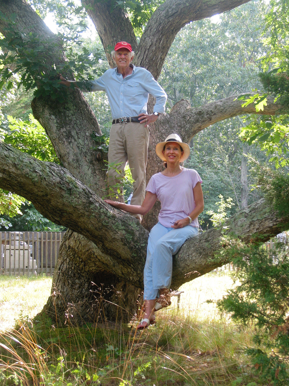Jeanie and David Stiles in tree- high res