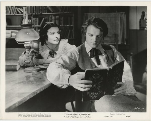 Ruth Hussey and Van Heflen in Tennessee Johnson