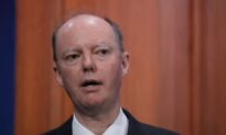 Man Apologises for Manhandling UK's Chief Medical Adviser