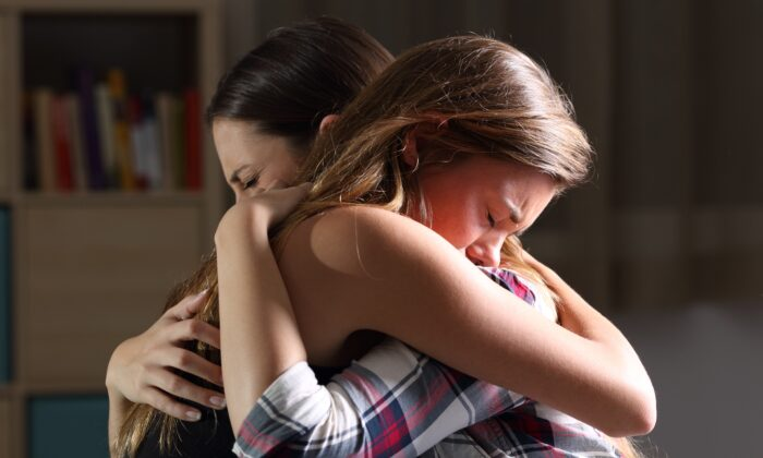 Compassion and finding common ground can go a long way in helping someone who is overcome with fear. (Antonio Guillem/Shutterstock)