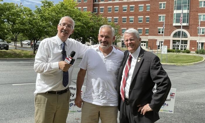Former state senator Dick Black (right) with Eugene Delgaudio (left), president of Public Advocates, and Jon Tigges (center) outside the Loudoun County Public School administration building on July 1. (Terri Wu/The Epoch Times)