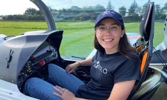 Teenager Hopes to Become Youngest Woman to Fly Round the World Solo
