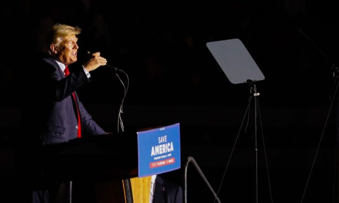 Former U.S. President Donald Trump speaks during a rally in Sarasota, Florida, on July 3, 2021. (Eva Marie Uzcategui/Getty Images)