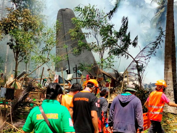 troops-plane-crashed-in-philippines