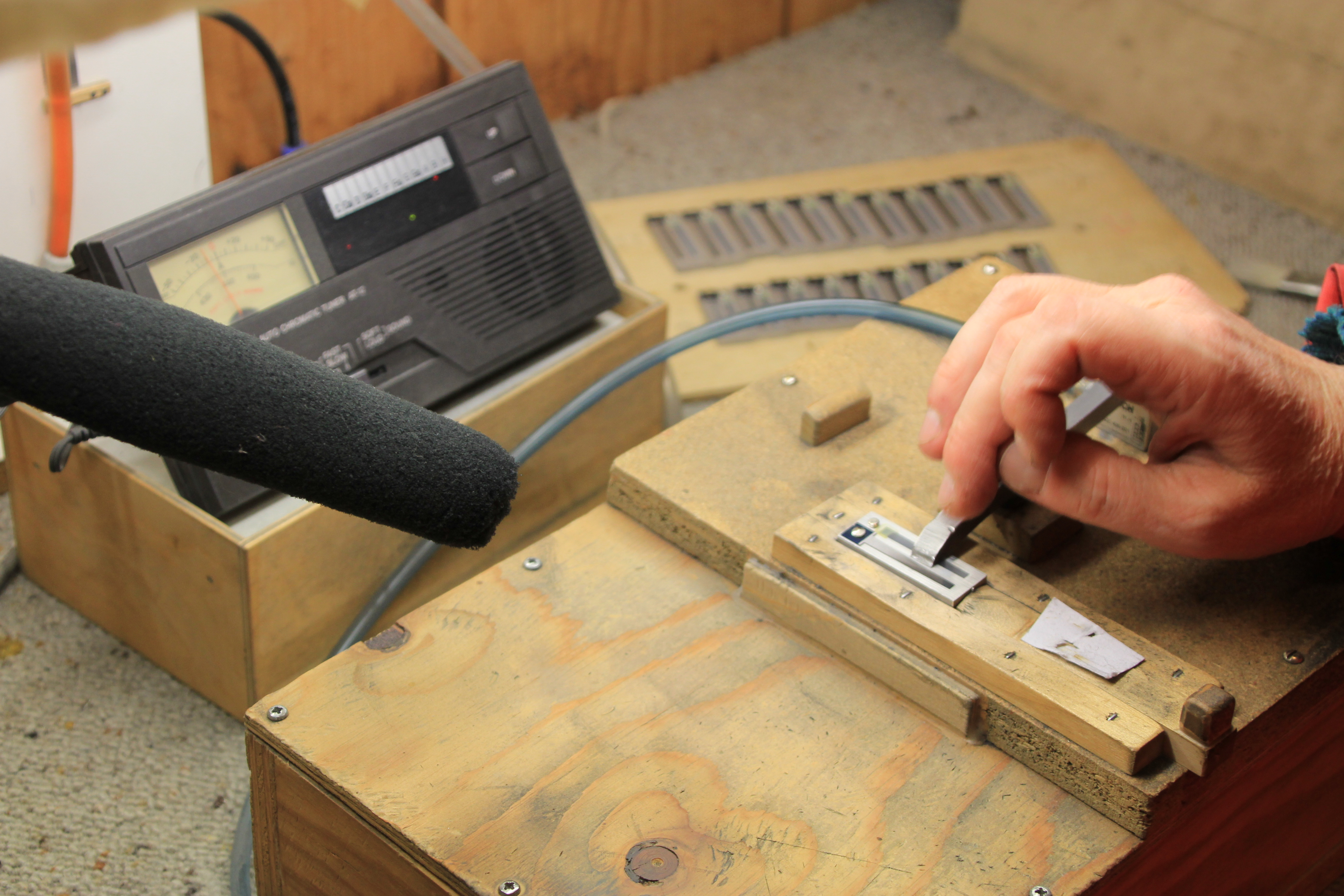 metal tone plate tuning copyright Wibke Carter