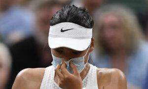 Sports Figures Defend Raducanu Over Wimbledon Exit