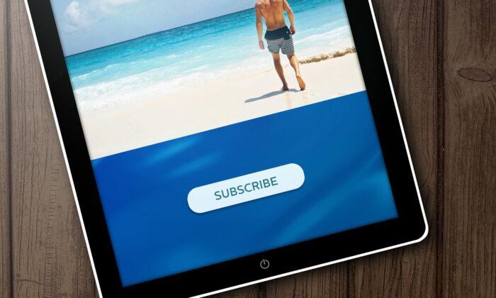 "A tablet shows the word ""subscribe"". (Biljana Jovanovic (BiljaST)/Pixabay)"