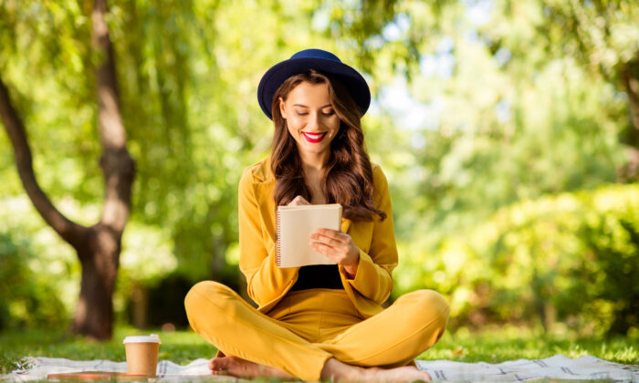A list can help you prioritize, as well as decide what is not important. (Roman Samborskyi/Shutterstock)