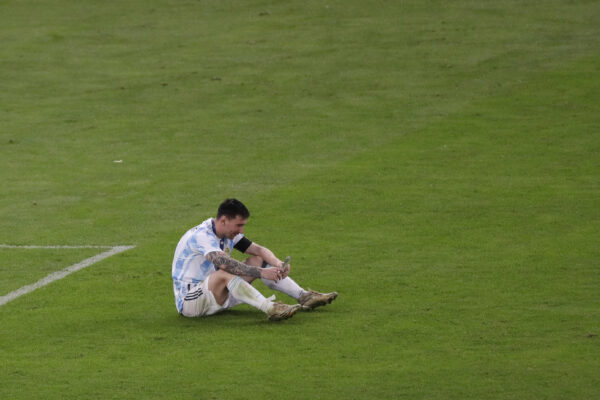 messi-in-tears