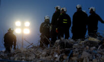 Search in Florida Collapse to Take Weeks, Deaths Reach 90