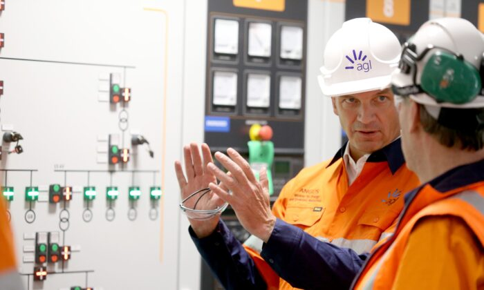 Minister for Energy and Emissions Reduction, Angus Taylor visits the Barker Inlet Power Station in Adelaide, Australia, on Nov. 4, 2019. (AAP Image/Kelly Barnes)