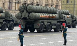 As China Deploys S-400 Air Defense on Indian Border, India Set to Buy Same Despite Possible US Sanctions