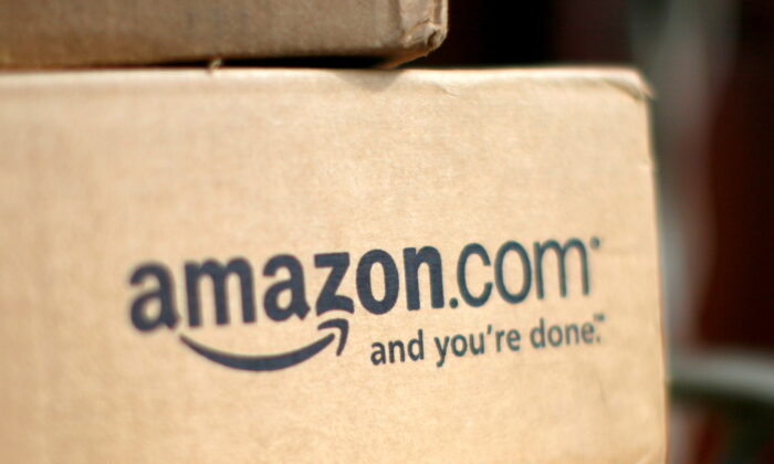 A box from Amazon.com is pictured on the porch of a house in Golden, Colo., on July 23, 2008. (Rick Wilking/Reuters)