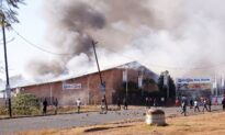 Chinese Businesses Targeted in South Africa Riots, Expert Says Beijing Might Be to Blame
