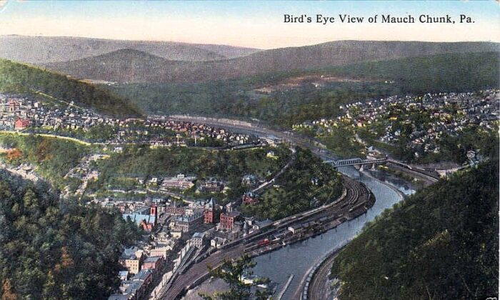 """A postcard picture from 1915 of a """"bird's eye view"""" of Jim Thorpe, Pa., then known as Mauch Chunk. (Public Domain)"""