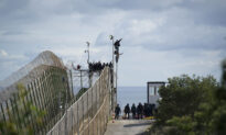 Illegal Immigrants Try To Enter Spanish City in 2nd Clash in 3 Days